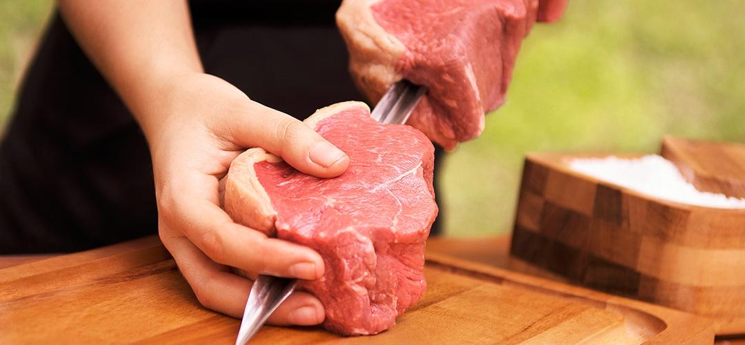 Aprenda a calcular a quantidade de carne ideal para o seu churrasco
