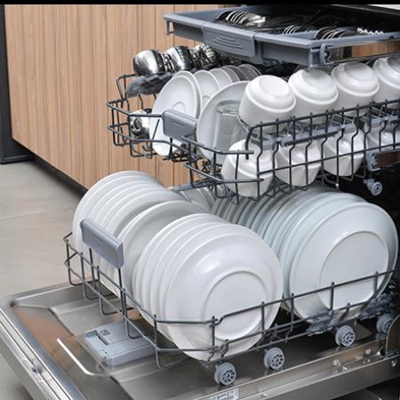 Lavar louça à mão ou na máquina?