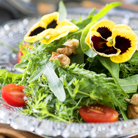 With edible flowers, your table gains more color and flavor