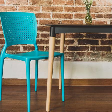 Incorpore más color a su casa con nuestras sillas