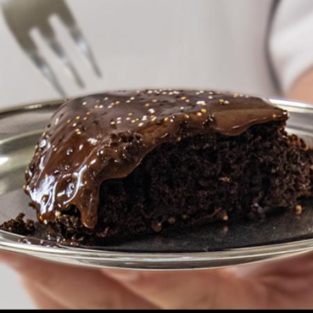 Torta de chocolate en la sartén: ¡aprenda cómo hacerla!