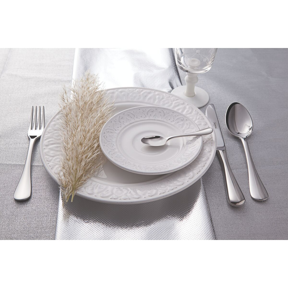Tramontina - 130 pc. Stainless steel flatware set with table knife ...